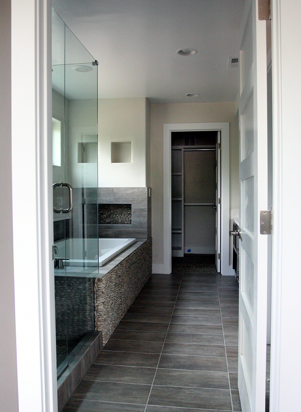MAGNER MASTER BATHROOM